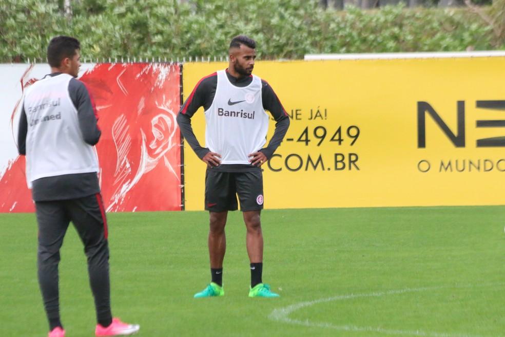 Alex Santana atuou em apenas uma partida pelo Inter  (Foto: Eduardo Deconto/GloboEsporte.com)