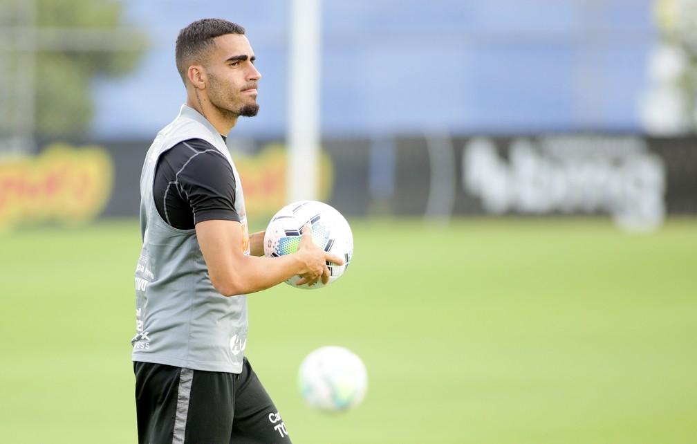 Escalação do Corinthians: Gabriel volta a treinar, mas dupla segue em tratamento