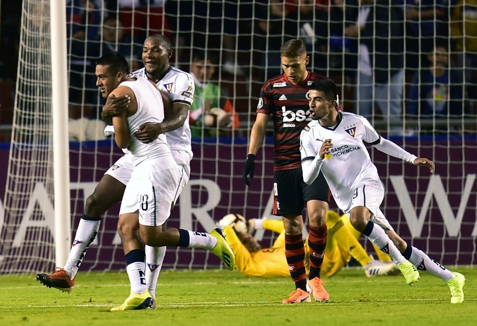Flamengo foi dominado pela LDU em Quito — Foto: AFP