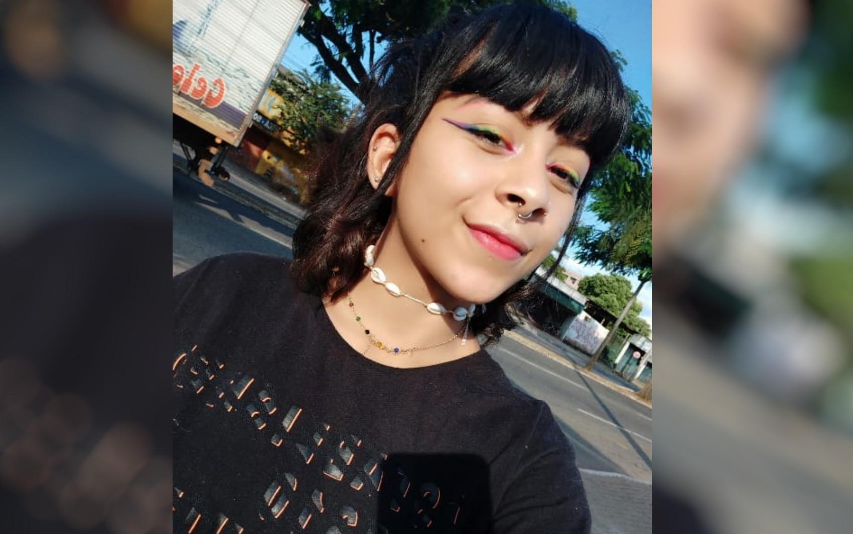 Adolescente é apreendida suspeita de ajudar amigos a matar jovem encontrada em mata de Goiânia