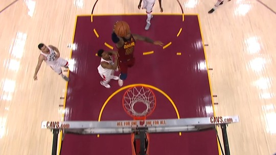 Confira o top 10 de jogadas da noite pela NBA
