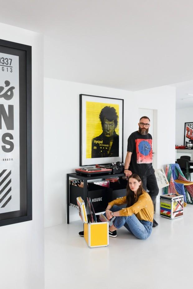 Empresário e modelo tem apartamento cool e cheio de arte em São Paulo (Foto: Filippo Bamberghi)