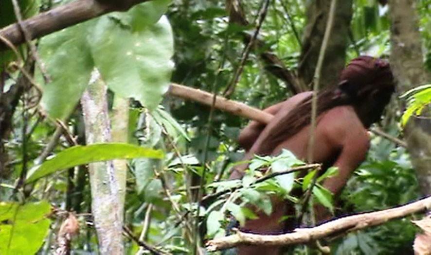Índio que vive no território Tanaru (Foto: Divulgação/Funai)