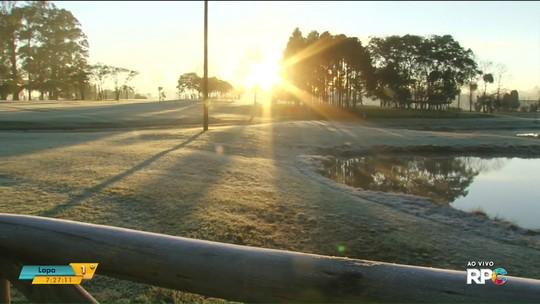 Temperatura em Curitiba chega a 3,8°C; outras cidades do Paraná amanhecem em condições negativas