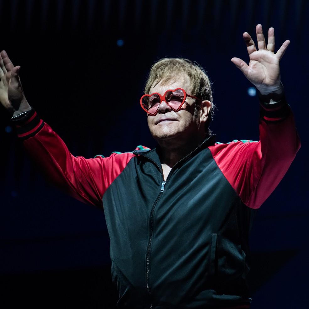 -  Elton John ensaia adeus aos palcos com sua turnê Yellow Brick Road  Foto: Reprodução/Instagram
