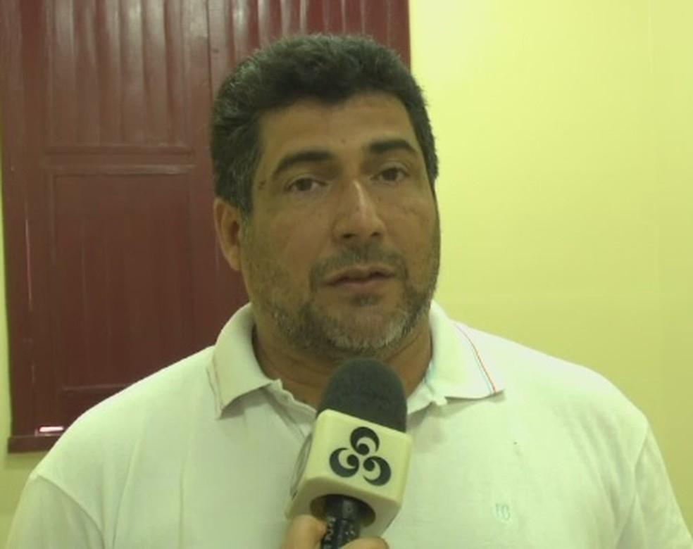 Charles André, coordenador de Educação e Esporte de Cruzeiro do Sul, fala sobre situação da Arena do Juruá (Foto: Reprodução/Rede Amazônica Acre)