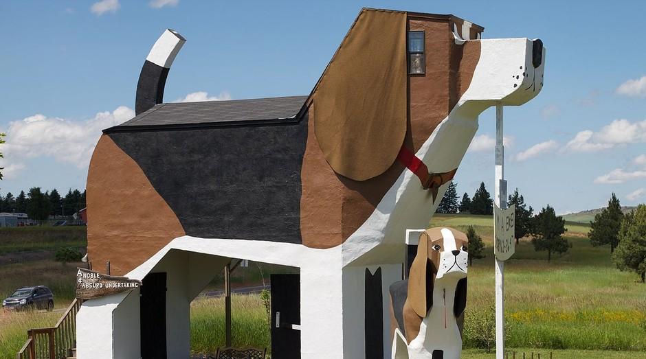 Dog Bark Park Inn, hotel nos Estados Unidos em formato de cachorro gigante (Foto: Divulgação)