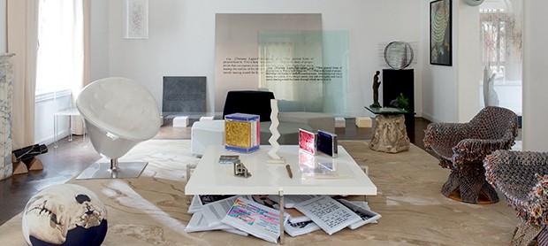 Instalação de placas de acrílico de Joseph Kosuth (Foto: André Klotz)