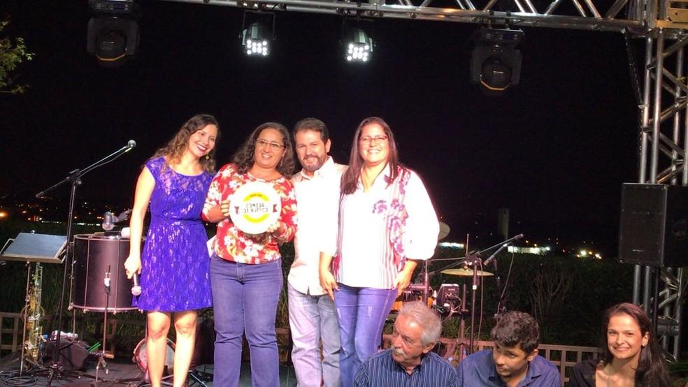 """O segundo lugar foi para o """"Vila Aurora Bar"""", que participou da competição com o """"Canoa Quebrada"""" (Foto: Fernando Daguano/TV TEM)"""