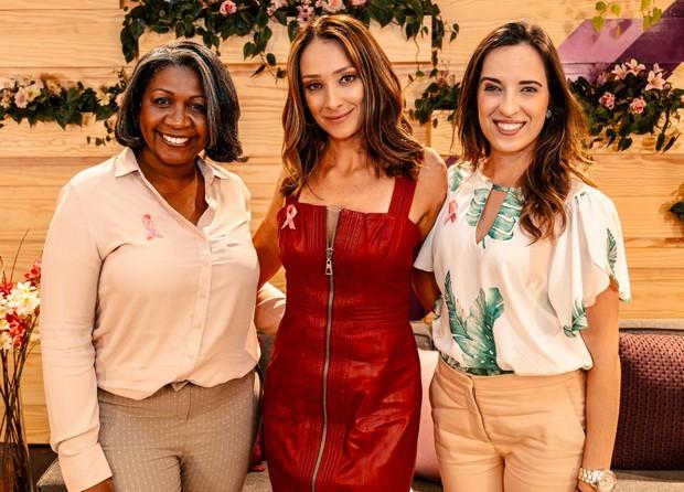A psico-oncologista dra. Silvana Aquino, Sabrina Parlatore e a oncologista dra. Mariana Monteiro (Foto: Divulgação)
