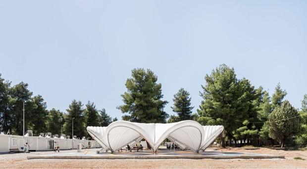 Designers criam tenda especial para campo de refugiados na Grécia (Foto: Reprodução)