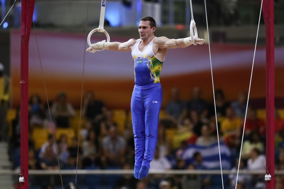 Arthur Zanetti foi vice-campeão no Mundial de Doha, no ano passado — Foto: RICARDO BUFOLIN / CBG