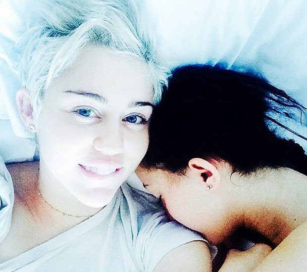 Miley Cyrus e a irmã, Noah (Foto: Reprodução/Instagram)