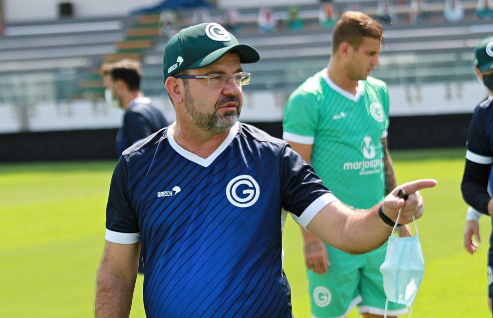 Enderson Moreira vai reencontrar Rafael Moura no Botafogo; ele deixou o Goiás após 10 jogos e nenhuma vitória — Foto: Rosiron Rodrigues / Goiás E.C.
