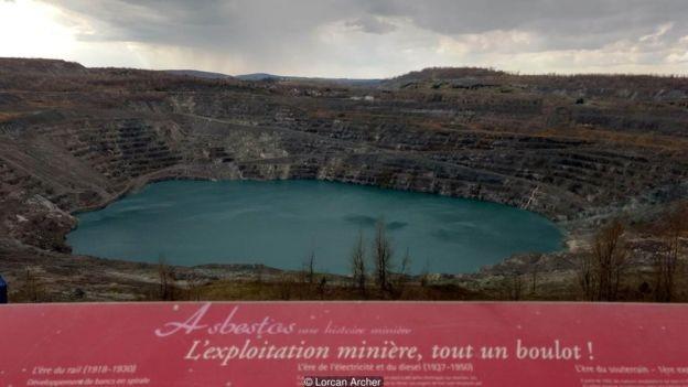 O encerramento das operações transformou a mina Jeffrey em atração turística (Foto: Lorcan Archer via BBC News Brasil)