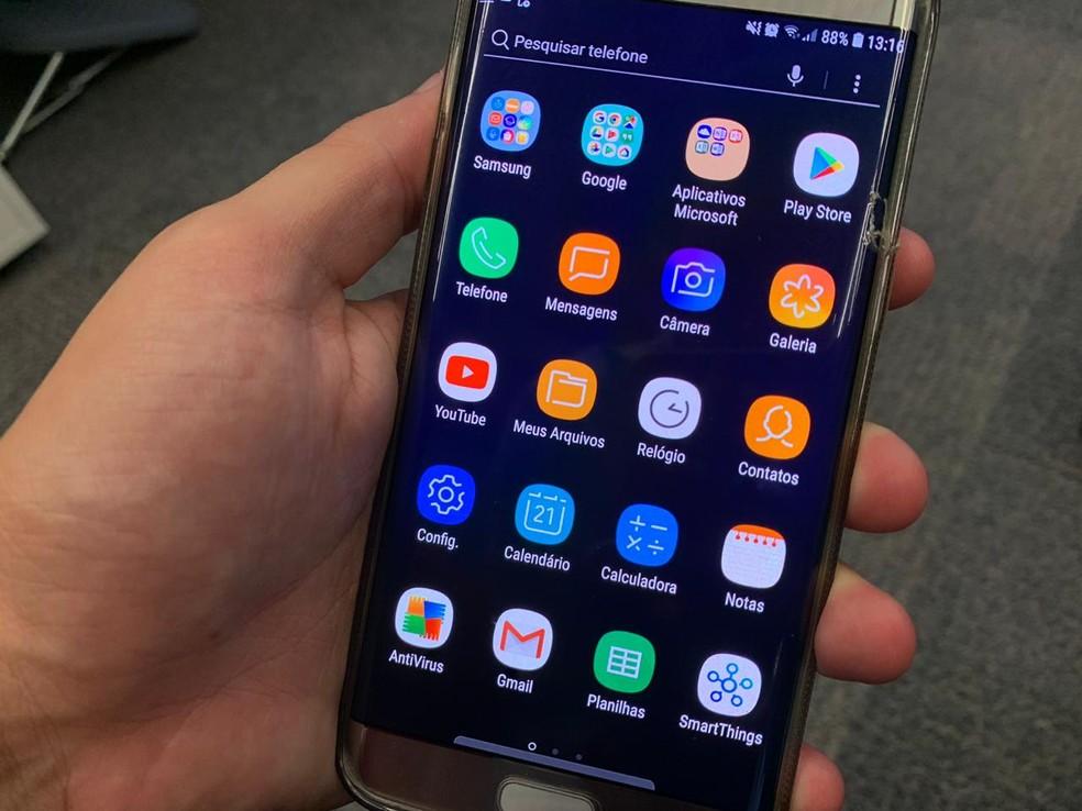 Software espião chegou a ser cadastrado em diversas versões no Google Play, a loja oficial do Google para aplicativos do sistema Android.  — Foto: G1