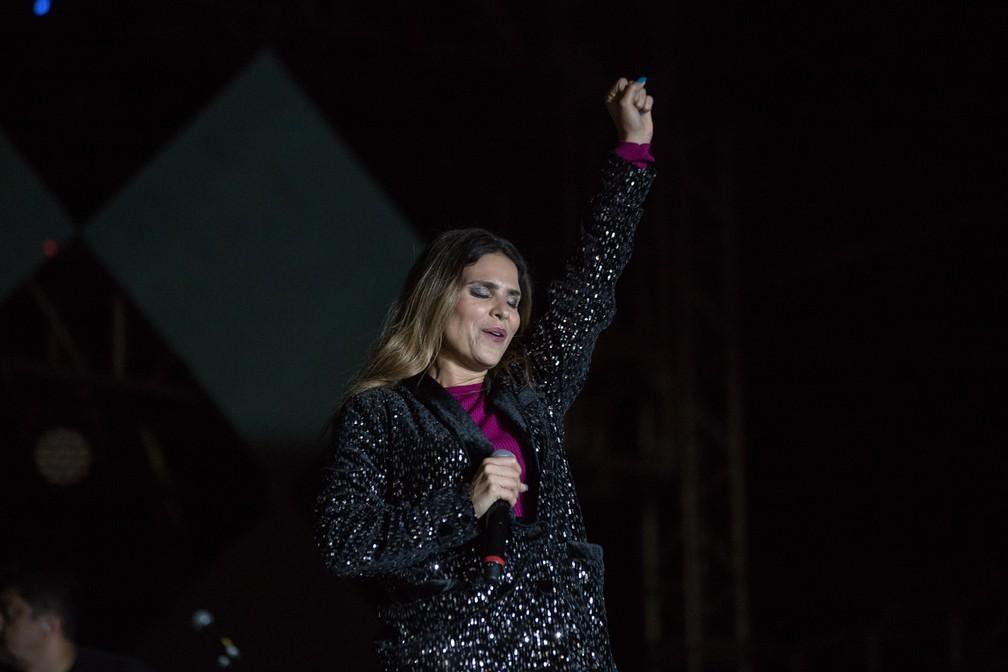 Aline Barros faz transmissão nesta terça-feira (12); na foto cantora gospel durante apresentação na Festa do Peão de Barretos 2019  — Foto: Ricardo Nasi/G1