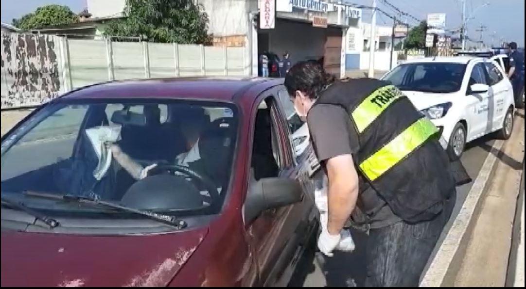 Coronavírus: blitz em Nova Odessa fecha 20 comércios não essenciais e orienta motoristas