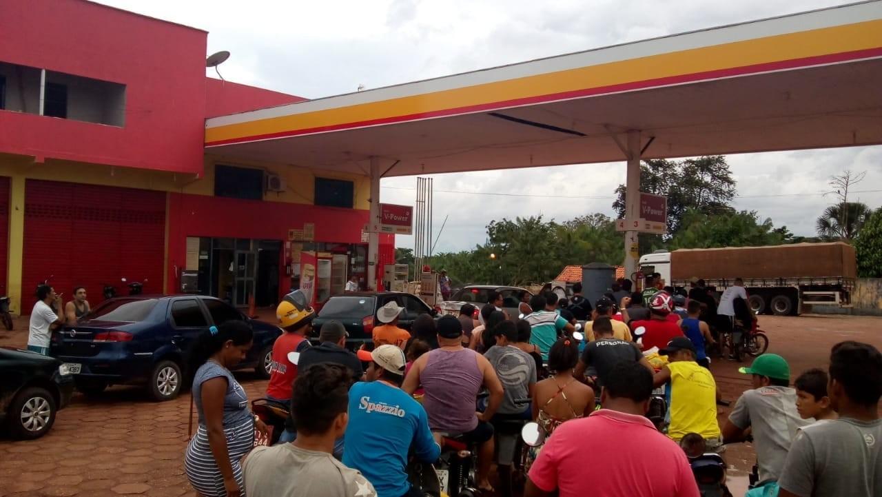Motoristas fazem fila nos postos de combustíveis do interior, mas Sindicato garante normalidade em quase todo Pará