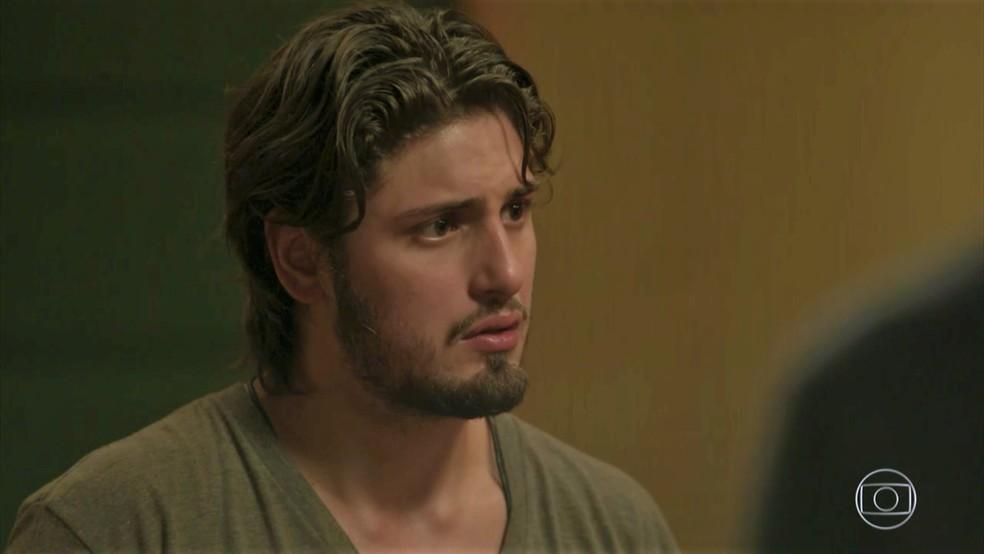 Rafael (Daniel Rocha) sofre com fora de Lili (Vivianne Pasmanter) — Foto: TV Globo