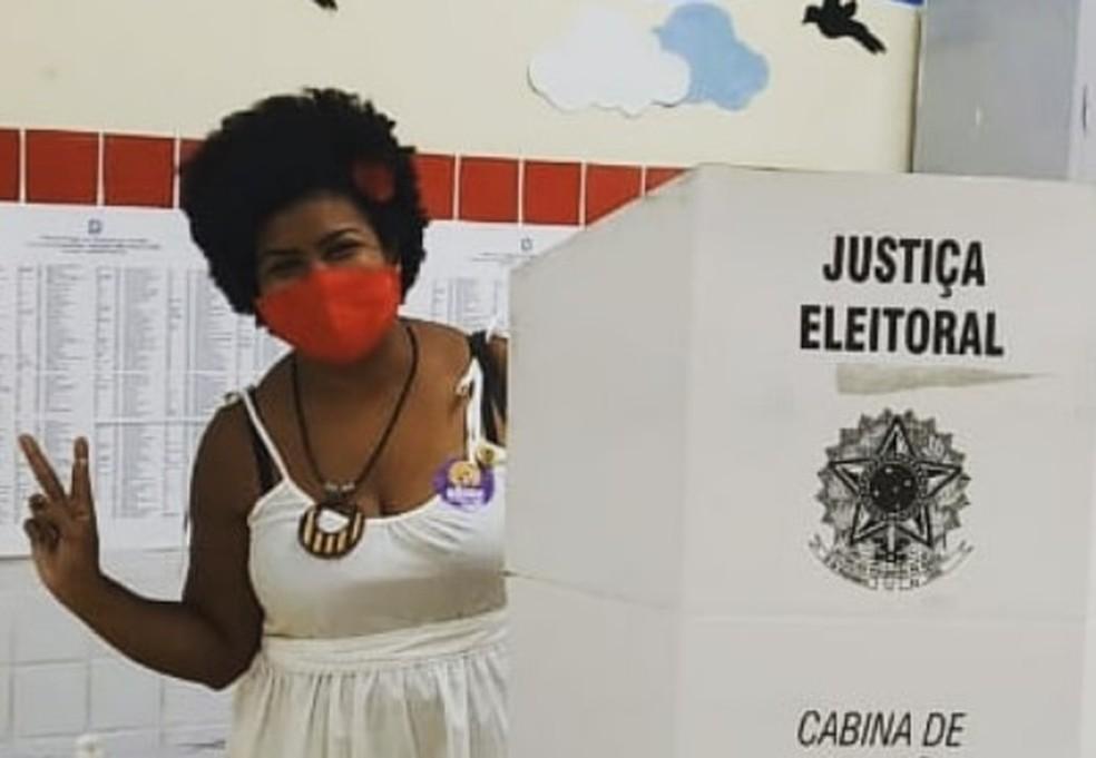 Jô Oliveira ao votar no domingo, em Campina Grande — Foto: Instagram / Reprodução