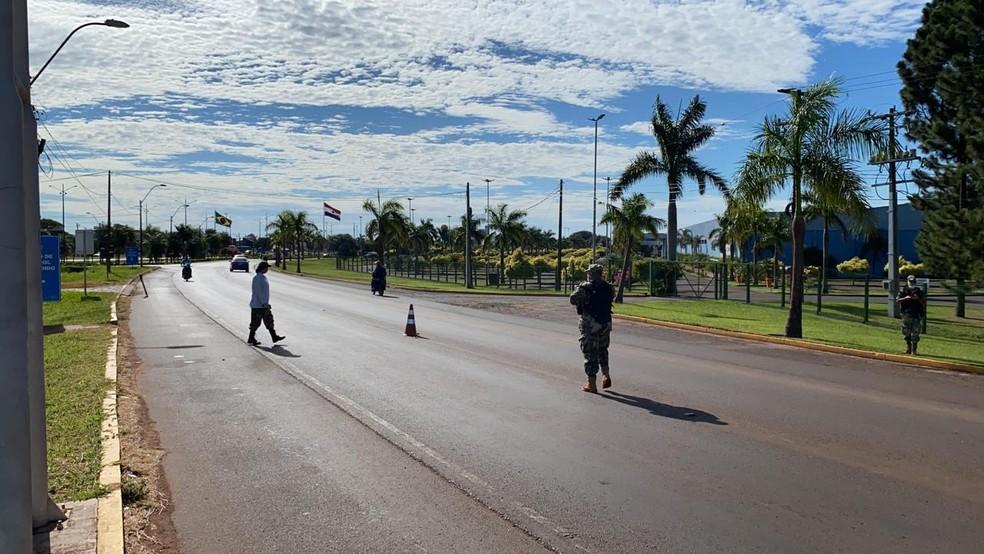 Fiscalização na faixa de fronteira — Foto: Martim Andrada/TV Morena