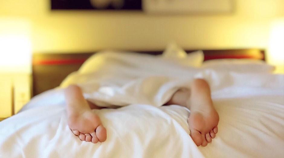 descansar; dormir; cama; cochilo; preguiça (Foto: Pexels)