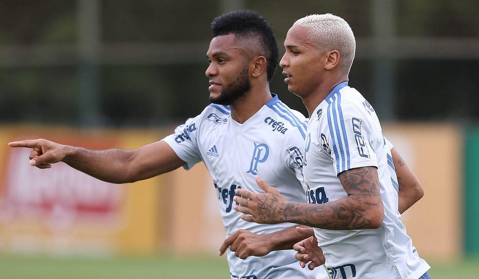 Borja e Deyverson na Academia de Futebol — Foto: César Greco/Ag. Palmeiras