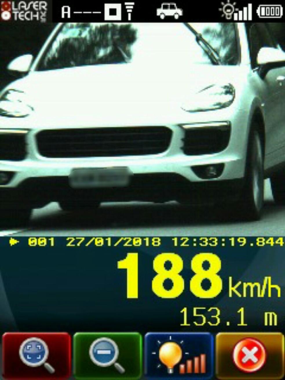 Um dos carros chegou a 188 km/h (Foto: Divulgação/PRF)