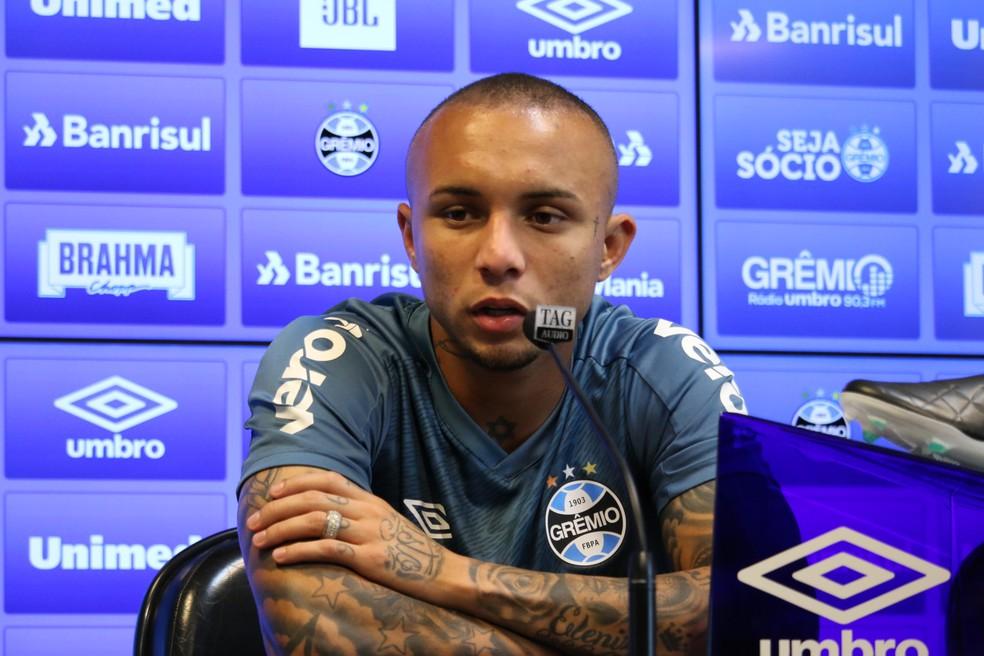 Everton, atacante do Grêmio — Foto: Lucas Bubols