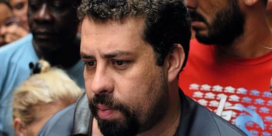 Guilherme Boulos lider do Movimento dos Trabalhadores Sem Teto (Foto:  ROGERIO CAVALHEIRO/FUTURA PRESS/ESTADÃO CONTEÚDO)