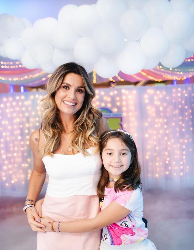 Flávia Alessandra e Olívia (Foto: Manuela Scarpa/Brazil News)
