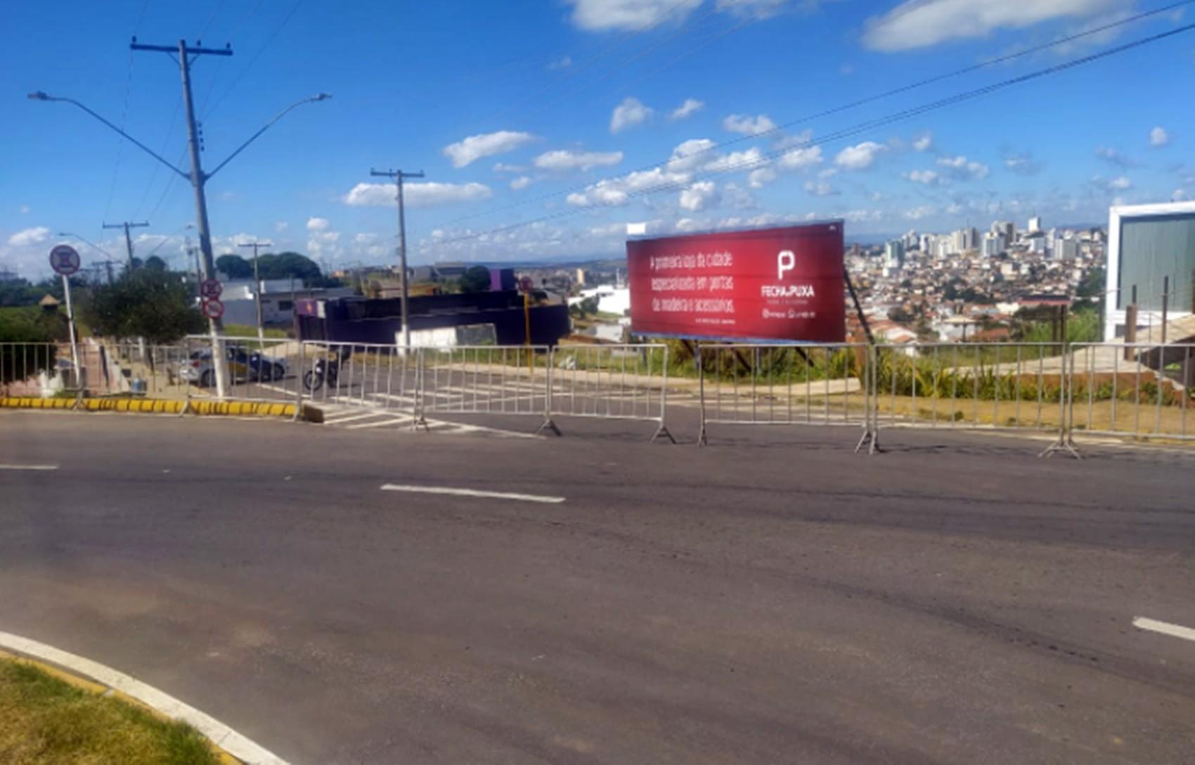Prefeitura interdita pista de caminhada no alto da Vila Paiva, em Varginha, MG