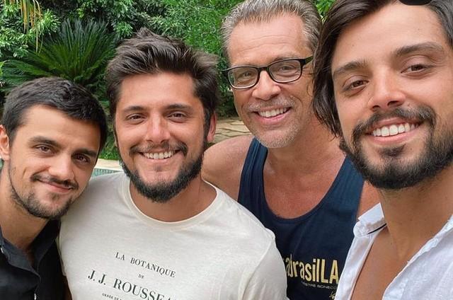 Beto Simas com Felipe, Bruno Gissoni e Rodrigo (Foto: Reprodução)