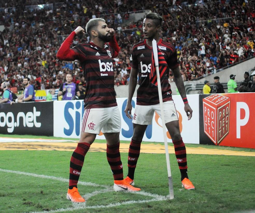 Bruno Henrique já marcou dois gols contra o Vasco em 2019, enquanto Gabigol busca seu primeiro diante do Cruz-Maltino — Foto: André Durão/GloboEsporte.com