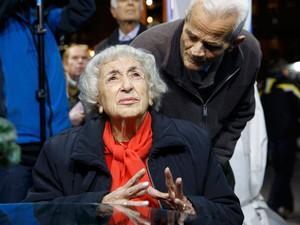 Eleitores do partido Nova Democracia reagem à divulgação de pesquisa que mostra o favoritismo do partido Syriza na Grécia  (Foto: Reuters/Alkis Konstantinidis)