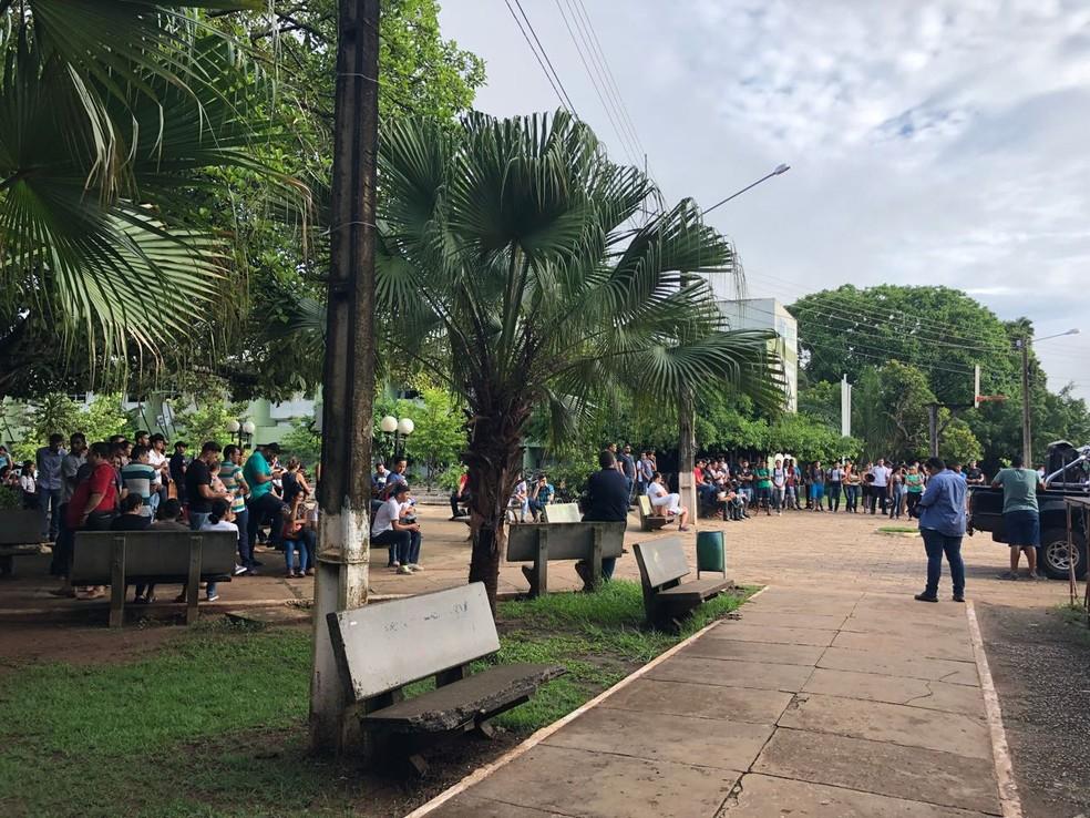 Por causa da manifestação, não teve aula no campus nesta segunda-feira (Foto: Willian Dalazem/ Centro América FM)
