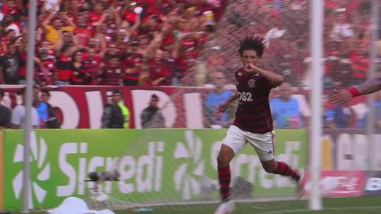 Willian Arão sobe bem e abre o placar na final carioca
