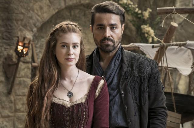 Marina Ruy Barbosa e Ricardo Pereira são Amália e Virgílio em 'Deus salve o rei' (Foto: Sergio Zalis/TV Globo)