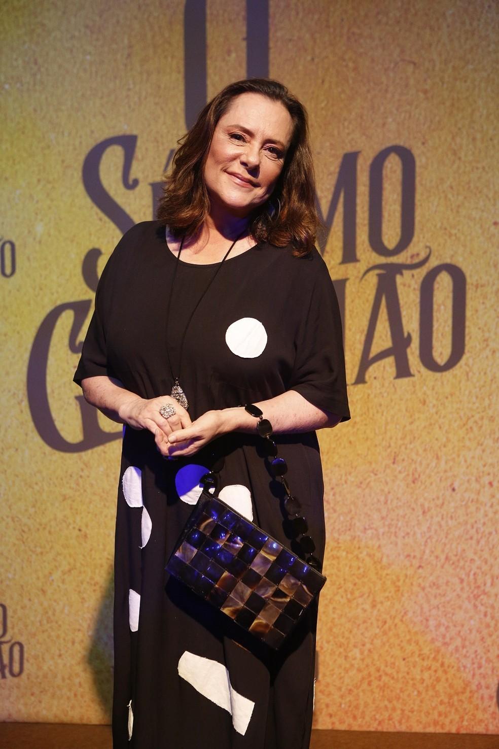 Mirtes, líder do grupo de beatas de Serro Azul, é o papel de Elizabeth Savalla em 'O Sétimo Guardião' — Foto: Fabiana Battaglin/Gshow
