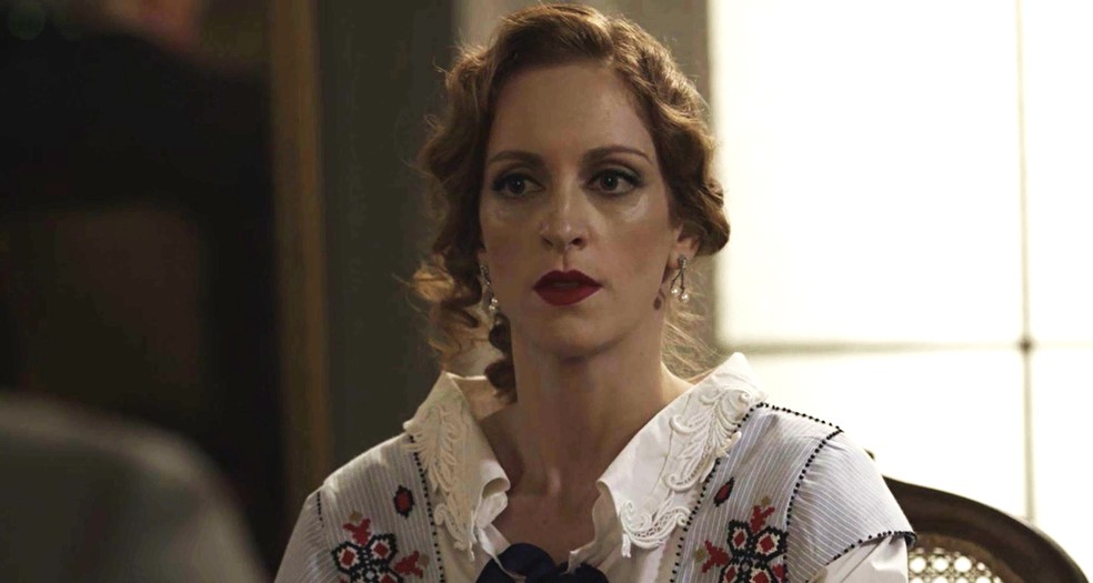 Ludmila sofre com a decisão do conselho, mas se mantém firme  (Foto: TV Globo)
