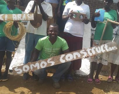 Haitiano formado na UFRJ constrói primeira casa de projeto de moradia