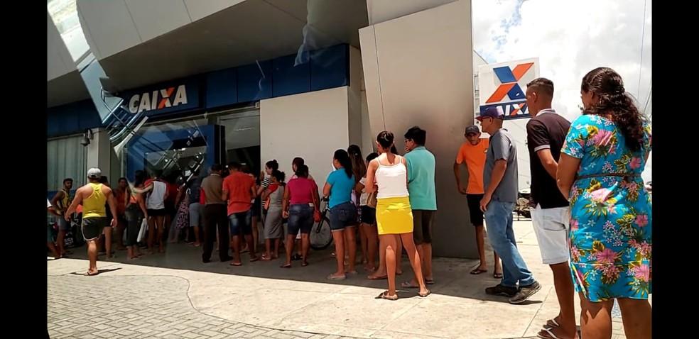 Caixa abre 17 agências no RN para atender beneficiários do auxílio emergencial e saque de FGTS neste sábado (19) — Foto: Geraldo Jerônimo/Inter TV Cabugi