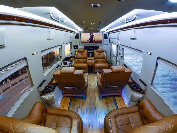 Interior do Mercedes-Benz Sprinter Jetvan feito pela Procopio Special Vehicle (Foto: Divulgação)