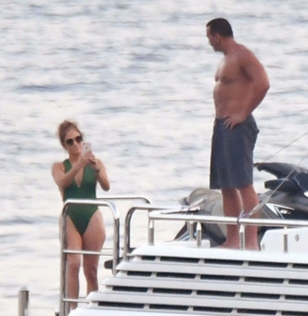 Jennifer Lopez e Alex Rodriguez (Foto: BackGrid)