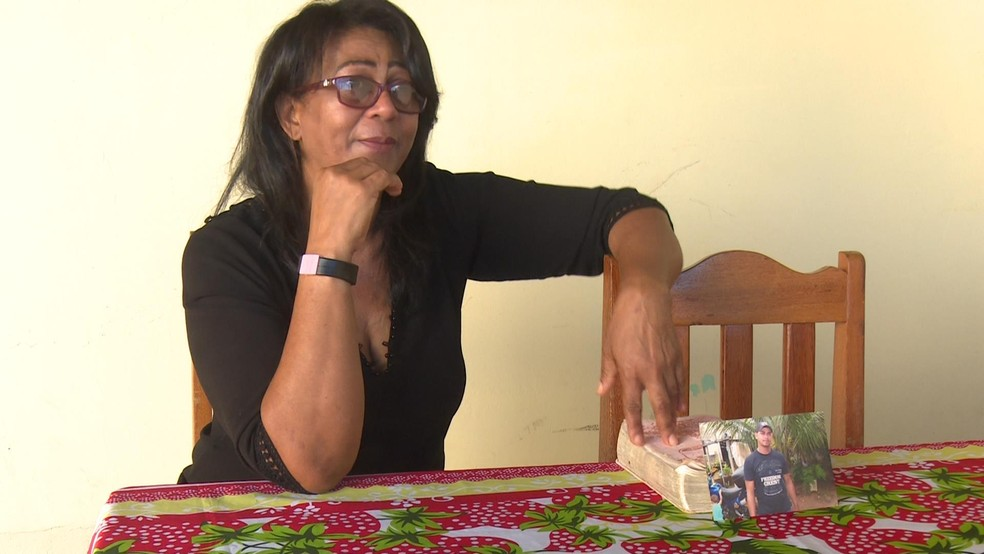 Marli Silvaris, mãe de Joerli, acredita que o filho esteja vivo. — Foto: Rede Amazônica/Reprodução