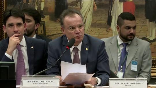 Bolsonaro é alvo de críticas e elogios pela atuação na votação da PEC da Previdência