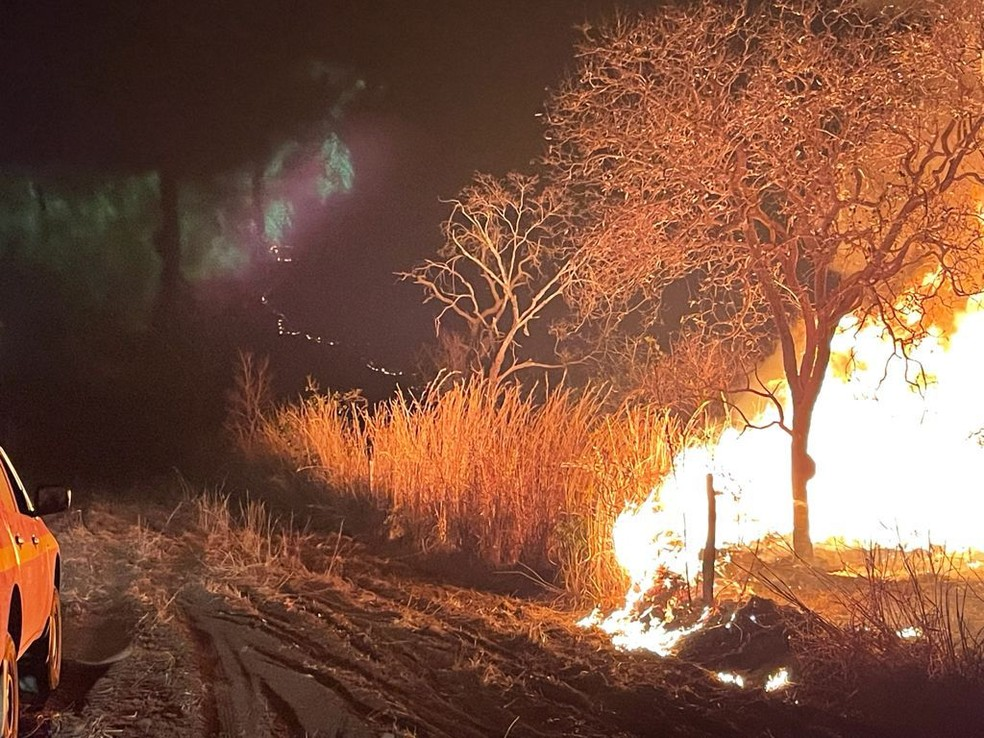 Foto do incêndio em Arinos — Foto: Corpo de Bombeiros