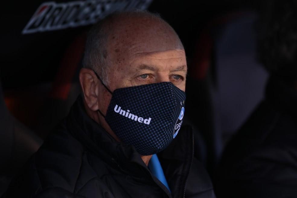 Felipão aguarda chegada de reforços para o Grêmio — Foto: Staff Images / CONMEBOL
