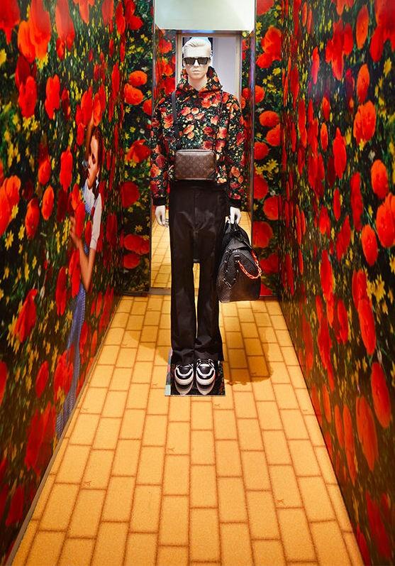 Primeiro drop da coleção de estreia de Virgil Abloh para a Louis Vuitton ganha pop-up store em Londres (Foto: Divulgação)